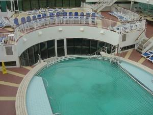 P&0 Cruise Ships - Swimming Pool